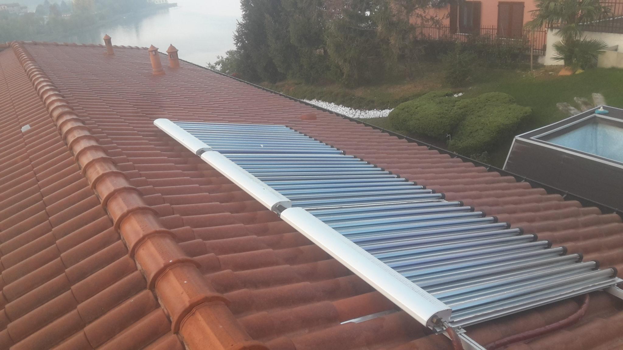 caldare l'acqua della piscina - pannelli solari sul tetto