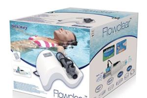 La piscina con acqua salata - il clorinatore